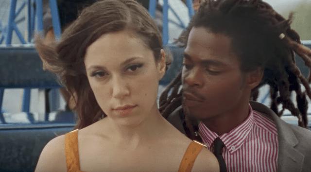 """Arcade Fire libera o clipe de """"Signs of Life"""""""