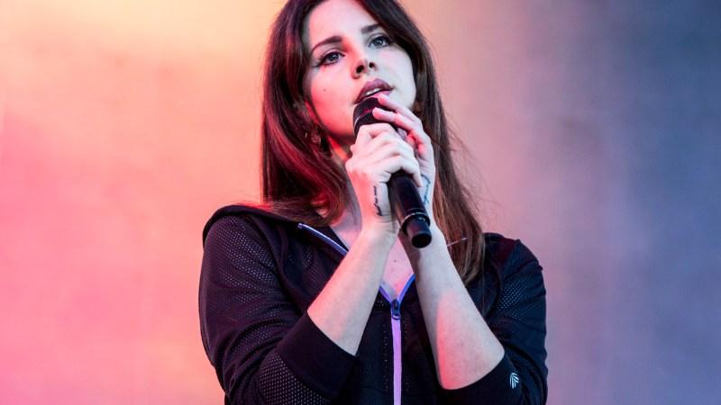 """How To Disapear"": Lana Del Rey apresenta nova música ao vivo."