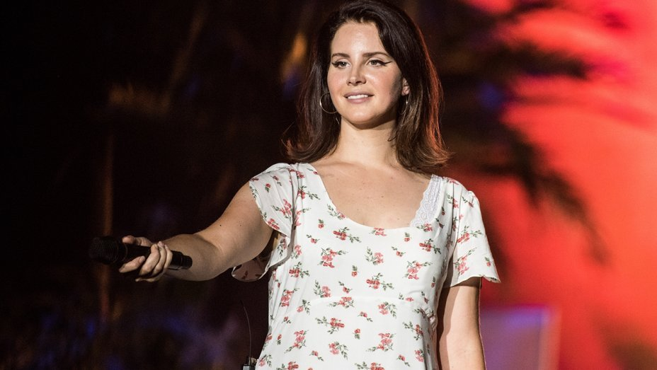 Lana Del Rey cancela turnê na Europa, e preocupa fãs que irão ao Lollapalooza
