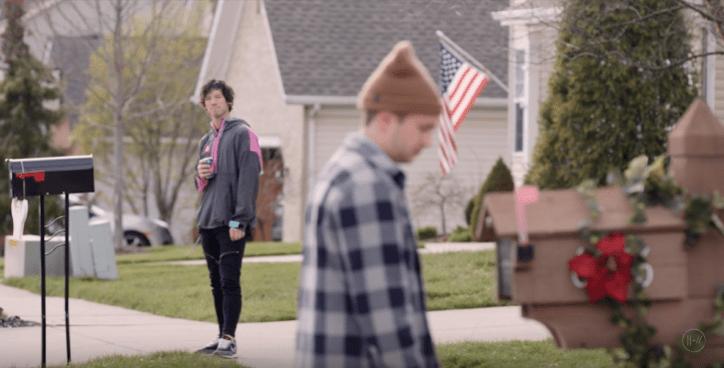 """""""Simples mas esperançosa"""" é como Tyler Joseph definiu a nova música do Twenty One Pilots, ouça!"""