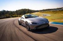 Aston-Martin-Vantage-221117-01