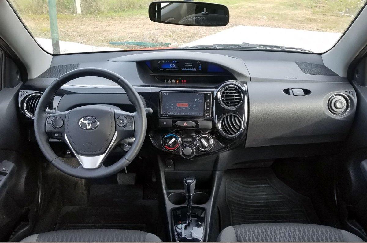Test: Toyota Etios XLS AT 2018 (Minuto Motor) ToyotaEtiosTest-03