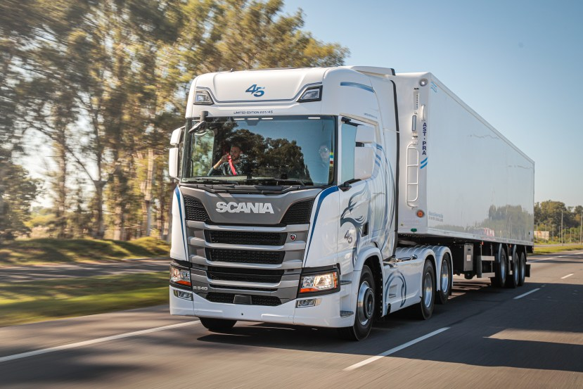 Scania 45 años