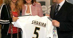 Shakira cu tricoul Realului