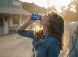 pepsi-2018-super-bowl-cindy-crawford