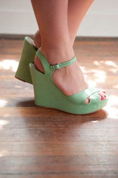 Matiko wedges in mint