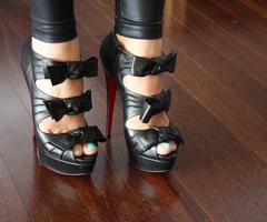 bows-fashion-gorgeous-heels-louboutins-photography-Favim_com-39166_thumb