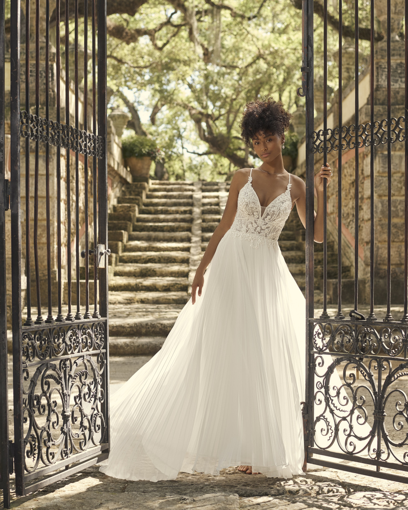Large – Maggie-Sottero-Margery-21MT771A01-Main-IV-uncropped