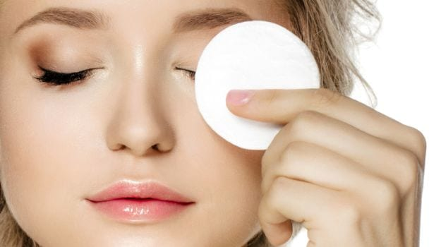 How To Effectively Remove Blackheads