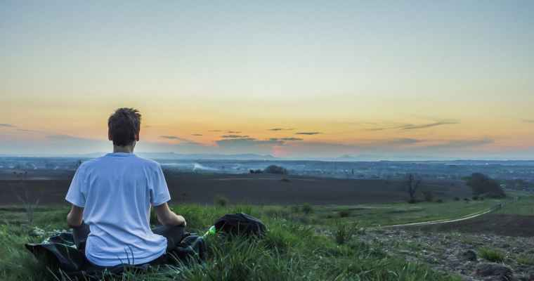 How to Practice Mindful Meditation for Self-Improvement