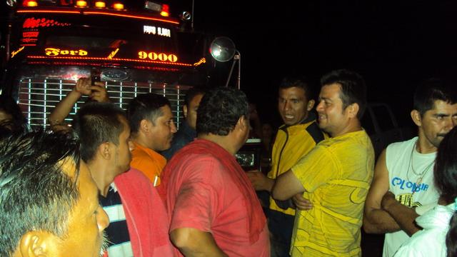 Enfrentamiento esta madrugada entre la fuerza pública y manifestantes en Villagarzón