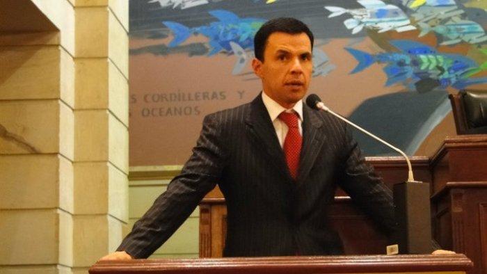 Revista Semana destaca a Guillermo Rivera como uno de los mejores en el congreso