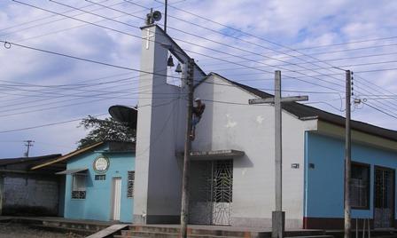 130604 iglesia puerto guzman