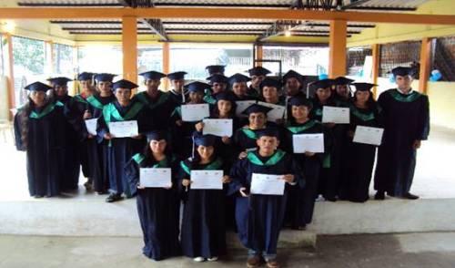 24 graduandos al diplomado recibieron el certificado.