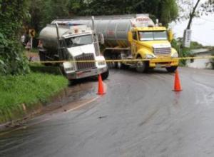 Pitalito es paso obligado para los tractocamiones que transportan hidrocarburos.