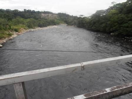 Rio Guamuéz al paso por la vereda Primavera de Orito, Putumayo.