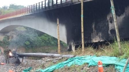 atentado bajo el puente