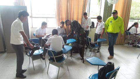 Policía realiza registros preventivos en Instituciones Educativas de Villagarzón