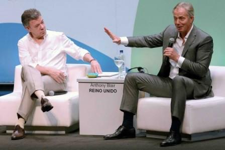 """Juan Manuel Santos y Tony Blair, ellos mismos han aceptado, son amigos desde hace varios años y apoyan la propuesta política llamada """"la tercera vía"""". /Presidencia"""