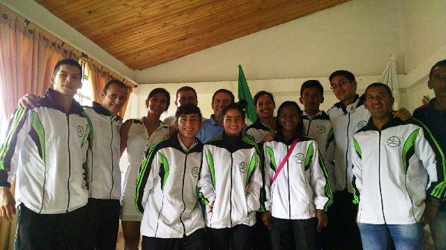 El Gobernador del Putumayo Jimmy Díaz estuvo en el acto de despedida a la preselección de atletismo. Foto Indercultura.