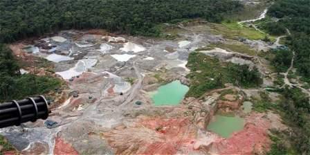 Foto: Archivo El TIEMPO Según cálculos conservadores, la explotación ilegal de oro en Colombia mueve alrededor de 45.000 millones de pesos al mes