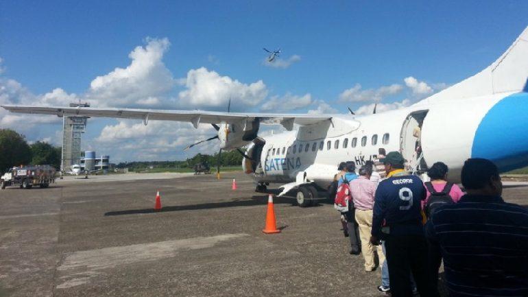 Pasajeros abordando nave en Puerto Asis. fuente : Twitter