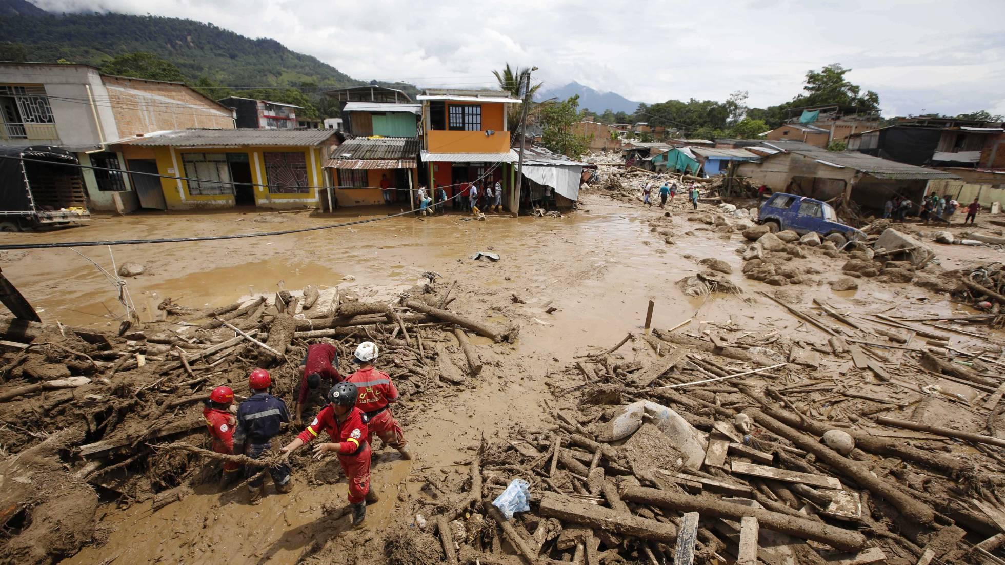Búsqueda de supervivientes en Mocoa el pasado 2 de abril. FERNANDO VERGARA AP PHOTO