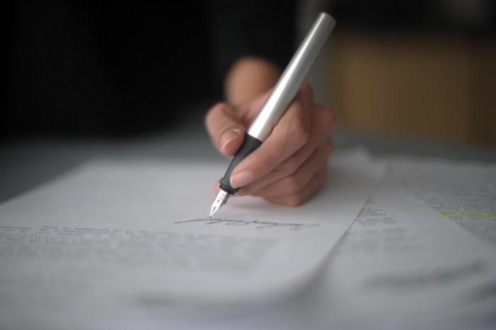 Buscan freno a contratos de prestación de servicios