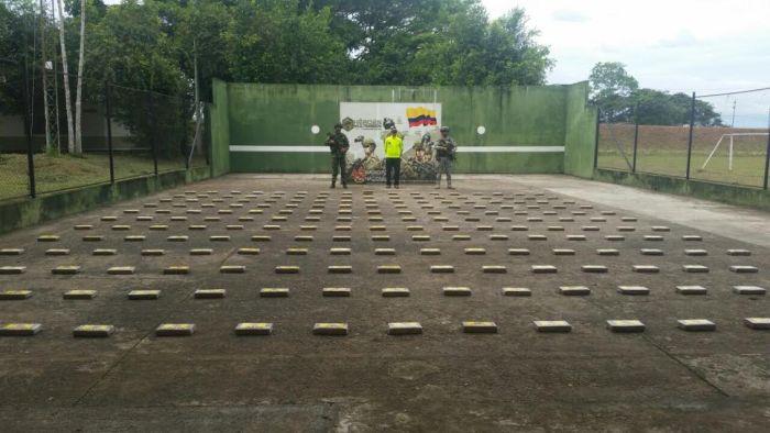 238 kilos de pasta base de coca fueron hallados por el Ejército Nacional en vereda de San Miguel(P)