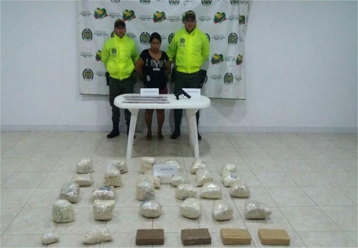 Descubierta caleta con mas de 52 kilos base de coca y 13 millones de pesos