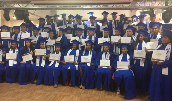 Se graduaron los primeros bachilleres del modelo para la Reintegración