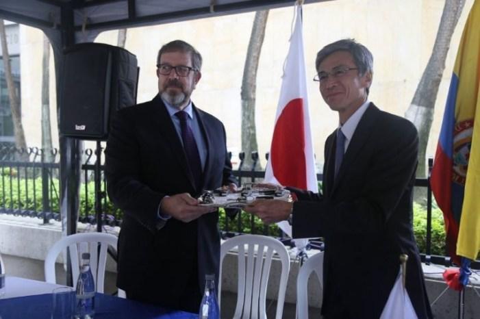 Japón hizo entrega de ocho camionetas para las operaciones de desminado en Colombia