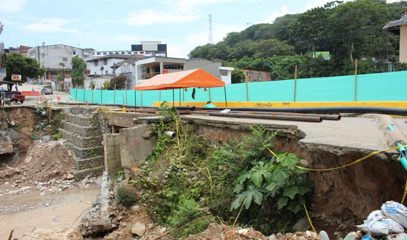 Inician obras Puente Vehícular Rio Sangoyaco
