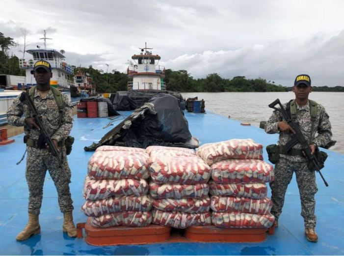 Armada Nacional incauta mercancía de contrabando en el sur colombiano