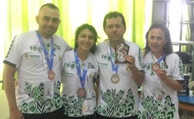 Putumayo medalla de Oro en Ajedrez absoluto femenino y medalla de bronce en ajedrez absoluto masculino.