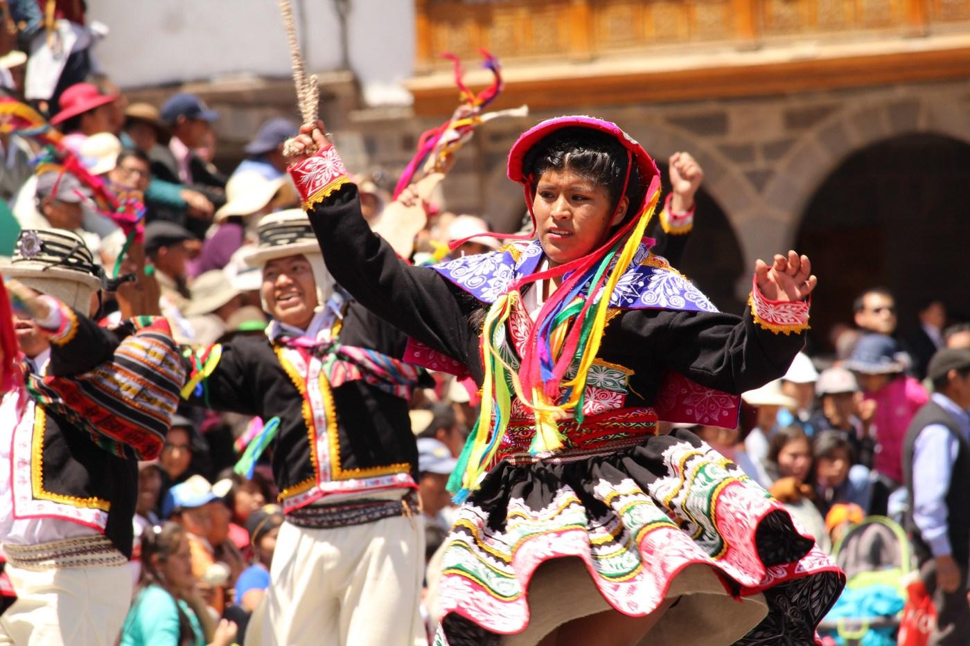 Cores vibrantes do Peru on Behance