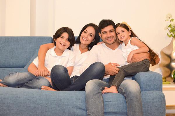 Familias Felices Muebles Jamar on Behance
