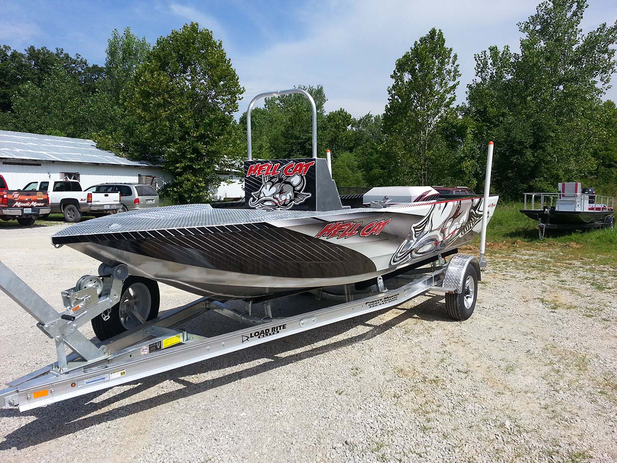hell cat boat front view