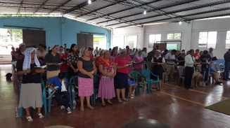 Congregation we preached the Gospel to and prayed for healing in El Salvador