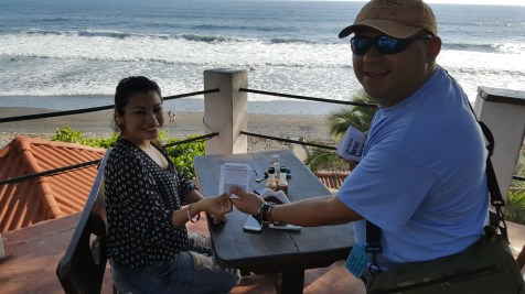 Sharring the Good News tract in El Tunco