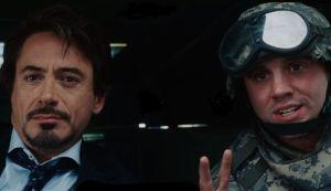 Iron Man transformación mira con atención