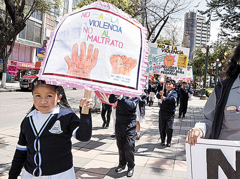 Reportan 37 maltratos de maestros a estudiantes