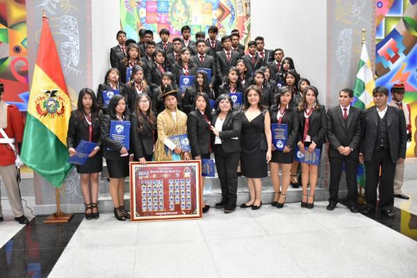 Ministra López destaca las políticas gubernamentales a favor de la juventud y la educación