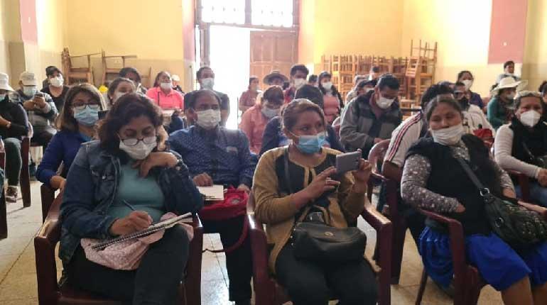 Ministerio socializa con padres de familia sobre el derecho a la educación