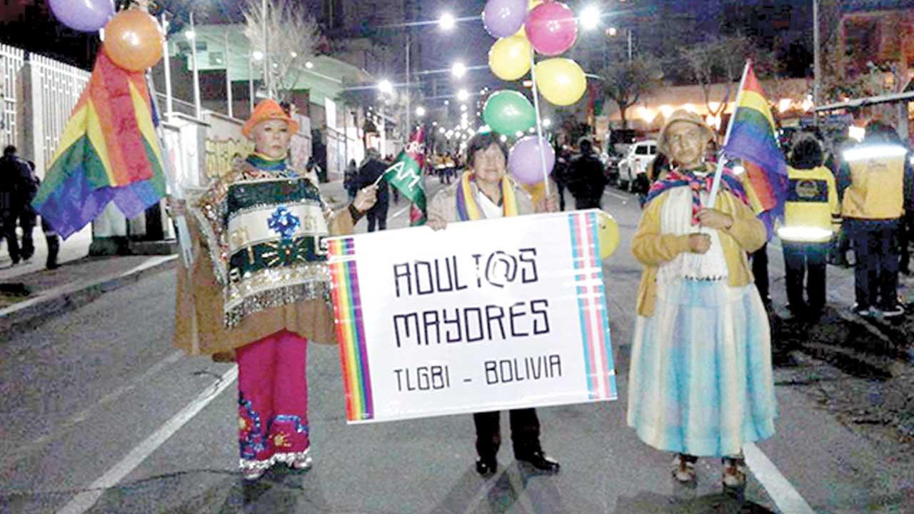 Adultos mayores LGBTI dicen existo; Coco recuerda la lucha y la represión