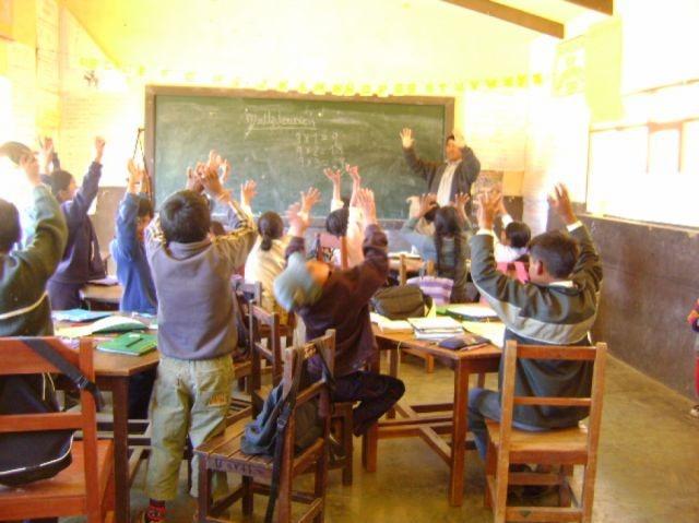 Maestros no garantizan retorno a las aulas, se declaran en emergencia en Tarija y Bolivia