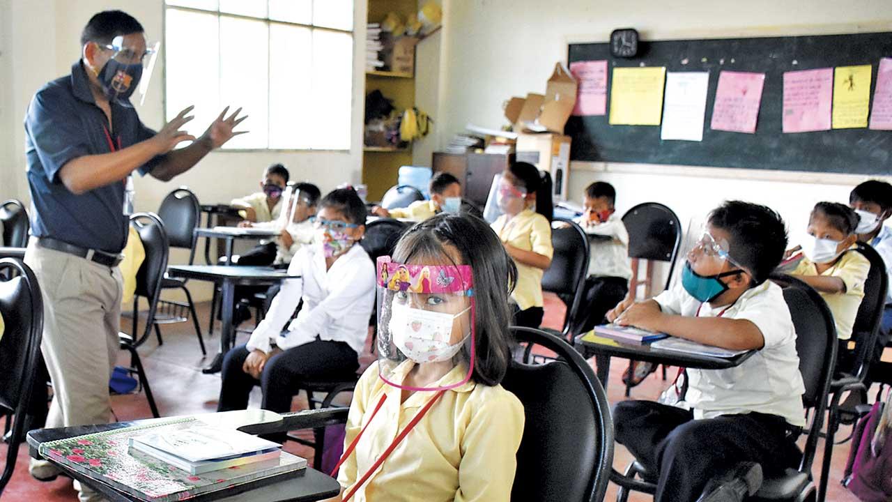 Educación reporta que 3.552 unidades educativas retornaron clases presenciales