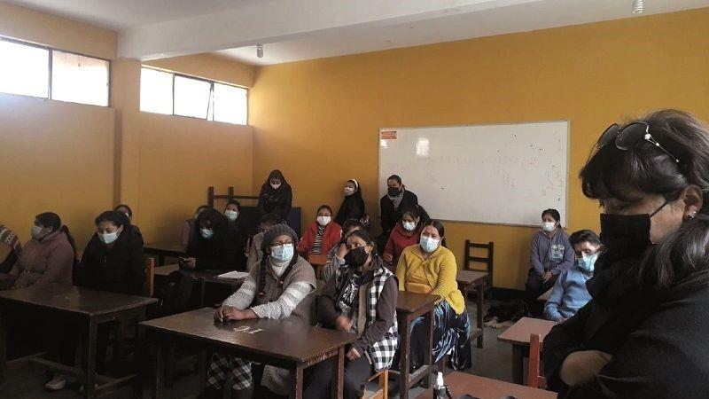 En las laderas los niños no vuelven a las aulas porque siguen las carencias