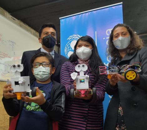 UNICEF Y AGETIC lanzan curso de robótica con becas para 800 niñas y adolescentes
