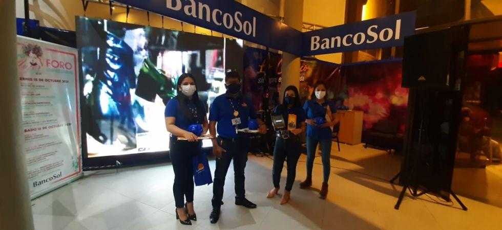 ExpoMujer: BancoSol ayuda a reactivar emprendimientos